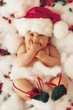 bebés tiernos en Navidad Más