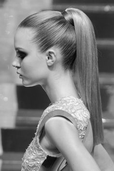 perfect ponnytail, always want this look!