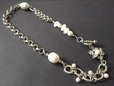 """""""Pearls & Chains"""" Necklace Diy Jewelry, Beaded Jewelry, Jewelry Design, Designer Jewellery, Pearl Chain, Chains, Pearl Necklace, Pearls, Bracelets"""