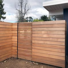 Top Best Modern Fence Ideas Contemporary Outdoor Designs Inspiration With Wood Gate Wood Fence Gates, Wooden Gates, Diy Fence, Backyard Fences, Front Yard Fence Ideas, Outdoor Fencing, Outdoor Privacy, Yard Landscaping, Yard Ideas
