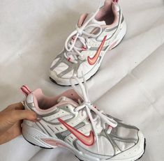 Create unique colorways and add personalized text to the latest custom releases from Nike. Sneaker Outfits, Sneakers Fashion Outfits, Nike Fashion, Sneakers Mode, Air Max Sneakers, Cute Shoes, Me Too Shoes, Aesthetic Shoes, Toddler Girls