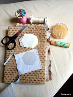 How to do English paper pieced hexagons