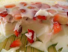 Gelatina de iogurte com morango - Ideal Receitas