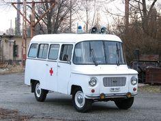 NYSA 522 S ambu Vintage Cars, Retro Vintage, Rda, Emergency Vehicles, Old Trucks, Old Cars, Car Pictures, Motor Car, Budapest