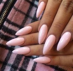 Almond shaped acrylic nails are a popular look and are often preferred by modern women. Unlike dangerous and sharp stiletto nails, almond nails are Acrylic Nails Stiletto, Square Acrylic Nails, Almond Acrylic Nails, Summer Acrylic Nails, Acrylic Nail Art, Coffin Nails, Ongles Rose Pastel, Pastel Pink Nails, Almond Nails Designs