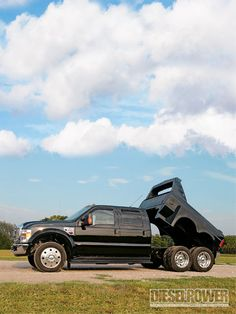 Ford XL Super Duty with hydraulic dumping bed. easy for unloading! 6x6 Truck, Dually Trucks, Dump Trucks, Jeep Truck, Cool Trucks, Big Trucks, Pickup Trucks, Pick Up, Ford Excursion