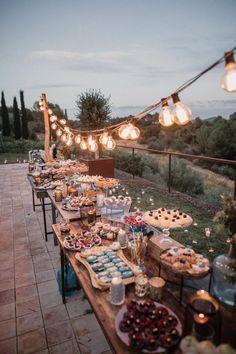 Rustic Wedding Reception, Table Wedding, Budget Wedding, Wedding Ideas, Wedding Inspiration, Dessert Wedding, Decor Inspiration, Wedding Centerpieces, Wedding Blog