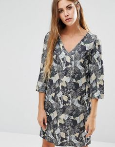 Buy it now. French Connection Lalapalm Printed Tunic Dress - Green. Casual dress by French Connection, Ribbed jersey, V-neckline, All-over print, Cropped arms, Loose fit - falls loosely over the body, Machine wash, 95% Polyester, 5% Elastane, Our model wears a UK 8/EU 36/US 4 and is 162cm/5'3.5 tall. ABOUT FRENCH CONNECTION French Connection have been creating well-designed, fashion-forward collections since 1972, delivering stylish separates, statement dresses and clean-cut tailoring with a…