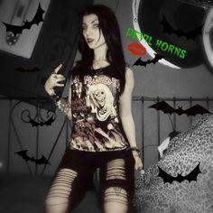 •🌑FeAr Of🌙ThE dArK🌑• #eddiethehead#ironmaiden#uptheirons#fearofthedark#girlsofthebeast#blackhair#darkfashion#metalgirl##devilhorns#headbangmotherfucker#musicismyreligion#antihero#metalhead#hellyeah