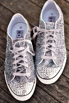Gorgeous converse! Perfect for homecoming and prom!!!!