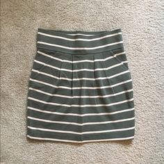 Olive Green Skirt Size small striped skirt by Forever 21. Had pockets and a zipper on the side. Never worn, NWOT. Forever 21 Skirts Mini