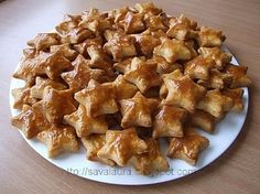 Saratele cu cascaval | Retete culinare cu Laura Sava Hungarian Recipes, Sweet And Salty, My Recipes, Christmas Cookies, Macaroni And Cheese, Bakery, Goodies, Food And Drink, Yummy Food