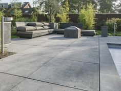 Oud Hollands Tegel antraciet - All For Garden Modern Landscape Design, Modern Landscaping, Outdoor Landscaping, Outdoor Gardens, Garden Paving, Garden Pool, Modern Driveway, Cement Driveway, Covered Patio Design