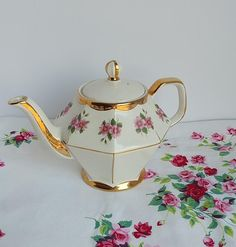 leaves pink yellow Teapot vintage gray
