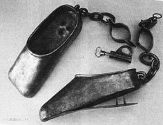 Most Painful 20 Torture Devices in the History: Punishing Shoes. The victim would see how long they could stand on their tiptoes before they would fall back and get spikes jammed into their heel. Instruments, Medieval Life, Interesting History, Interesting Facts, Macabre, Middle Ages, Weird, Creepy Stuff, Costumes