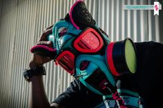 SOUTH BEACH SNEAKER GAS MASK!