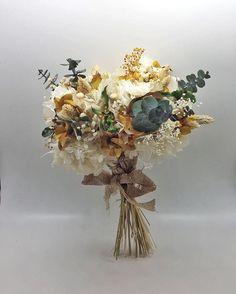 Dried Flower Bouquet, Dried Flowers, Ikebana, Slow Food, Unique Weddings, Wedding Bells, Wedding Bouquets, Marie, Dream Wedding