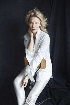 The ever so elegant Cate Blanchett in the most classic whites.