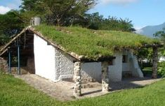PET bottle house eco-tec-honduras-Ecoparque-Zamorano--e1305952025183