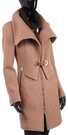 MANTEAU D'AUTOMNE OU D'HIVER LÉGER / FALL OR LIGHT WINTER COAT Collection Automne/Hiver 2013-14 Winter Coats, 2013, Or, My Style, Jackets, Collection, Fashion, Fall Winter, Down Jackets