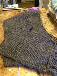 Sift grey scarf