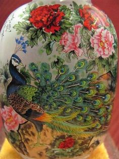Chinese Inside-Drawing Glass Snuff Bottle = Peacock Pattern