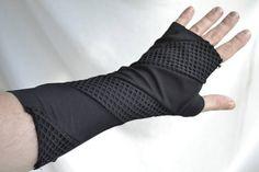 Mesh Stripes Fingerless Gloves