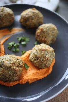 Pesto Baked Tuna Balls Vegan Options, Healthy Options, Healthy Recipes, Fish Dishes, Main Dishes, Natural Born Feeder, Healthy Cooking, Healthy Food, Eating Plans