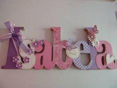 Nome em MDF, decorado em papel de scrap.  Pode ser utilizado para decorar quarto, porta de maternidade e festa infantil.  fazemos nas cores desejadas R$ 78,00