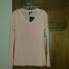 Peach long sleeve top Nwt long sleeve peach color vneck top. Bought from marshalls not long ago. Super cute but doesnt look good on me with my hair color. Cynthia Rowley Tops Tees - Long Sleeve