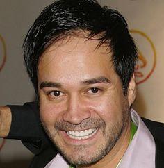 The lead singer of the Tejano group La Mafia, Oscar De La Rosa, was attacked in Houston and was knocked unconscious.