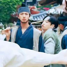 Jinkook fighting at daechwita mv Bts Bangtan Boy, Bts Jungkook, Taehyung, Jung Kook, Kpop, Bts Memes Hilarious, The Scene, I Love Bts, Bulletproof Boy Scouts