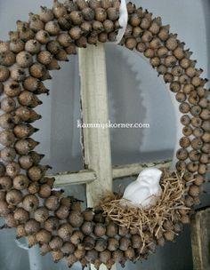Love this acorn wreath!