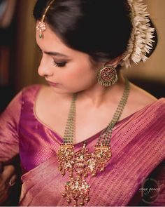 Top 13 Traditional South Indian Wedding Jewellery Trend of This Year südindischer Hochzeitsschmuck South Indian Jewellery, Indian Wedding Jewelry, Indian Jewelry, Bridal Jewelry, Indian Bridal, Bridal Sarees South Indian, South Indian Weddings, Bridal Mehndi, Mode Renaissance