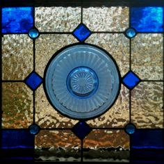 Vintage plate in stained glass Antique Stained Glass Windows, Stained Glass Flowers, Stained Glass Designs, Stained Glass Panels, Stained Glass Projects, Stained Glass Patterns, Leaded Glass, Stained Glass Art, Mosaic Glass