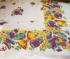 Mid Century Tablecloth 50s Vintage Linens by InheritedTraits, $16.90