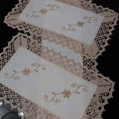 Vintage Doily, crochet lace and cotton doily, vintage lace, white round doily, crocheted doilies Crochet Lace Edging, Crochet Borders, Thread Crochet, Crochet Doilies, Hand Crochet, Crochet Patterns, Crochet Table Runner, Crochet Tablecloth, Linen Tablecloth
