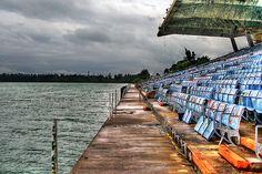 endroits abandonnes de floride marine stadium de miami 2   Incroyables endroits abandonnés de Floride   UFO stade photo parc ovni Miami Mari...
