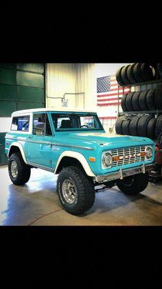 Ford bronco Jeep - New Ideas Classic Bronco, Classic Ford Broncos, Ford Classic Cars, Classic Trucks, Ford Chevrolet, Ford 4x4, Ford Pickup Trucks, 4x4 Trucks, Diesel Trucks
