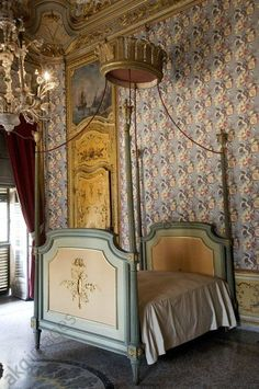 - Turin, a bedroom in the palazzina di caccia di Stupinigi, former Savoy hunting lodge designed by architect Juvarra Jochem Wijnands Dream Furniture, Classic Bedroom Design, Beauty Bedrooms, French House, French Interior, Interior, Bedroom Design, Furniture Inspiration, Classic Bedroom