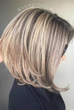 66 Chic Short Bob Hairstyles & Haircuts for Women in 2019 - Hairstyles Trends Bob Hairstyles For Fine Hair, Layered Bob Hairstyles, Hairstyles Haircuts, Medium Bob Haircuts, Haircut Medium, Modern Haircuts, Braid Hairstyles, Trendy Hairstyles, Medium Hair Styles