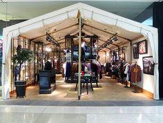 Tent pop-up shop