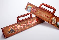 Pro Carton/ECMA Award finalist: Suitcase Sleeve, Toblerone 750g - Gift packaging in the unique Toblerone shape with the unexpected look of a vintage suitcase with a special closing mechanism. Reactions from the worldwide retail trade and consumers were overwhelming.