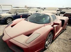 Abandoned-Luxury-Cars-of-Dubai-1