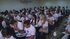 Jornal Hoje - Concursos públicos oferecem mais de 17 mil vagas em todo o Brasil