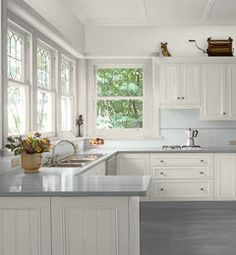 my favorite kitchen layout. . great windows, too!!!