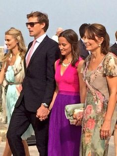 Nico Jackson, Pippa Middleton and Carole Middleton (I don't think the blond is with them. Pippa Middleton Style, Carole Middleton, Middleton Family, Pippa And James, Kate And Pippa, Duchess Kate, Duchess Of Cambridge, Pippa Dress, Royal Life