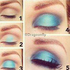 Pearly blue eyeshadow