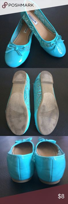 American Eagle Girls Flats Please see photos American Eagle Outfitters Shoes Sandals & Flip Flops