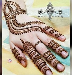 Check out Bridal Mehndi Designs For Hands and legs. We have collected creative bridal mehandi designs to make your Wedding Day Special. Henna Hand Designs, Simple Mehndi Designs Images, Mehndi Designs For Girls, Mehndi Design Pictures, Best Mehndi Designs, Bridal Mehndi Designs, Henna Tattoo Designs, Mehandi Designs, Mehndi Images